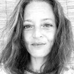 NadIa Eddaïra, Chargée de communication